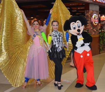 Mazyad Mall roaming Acts